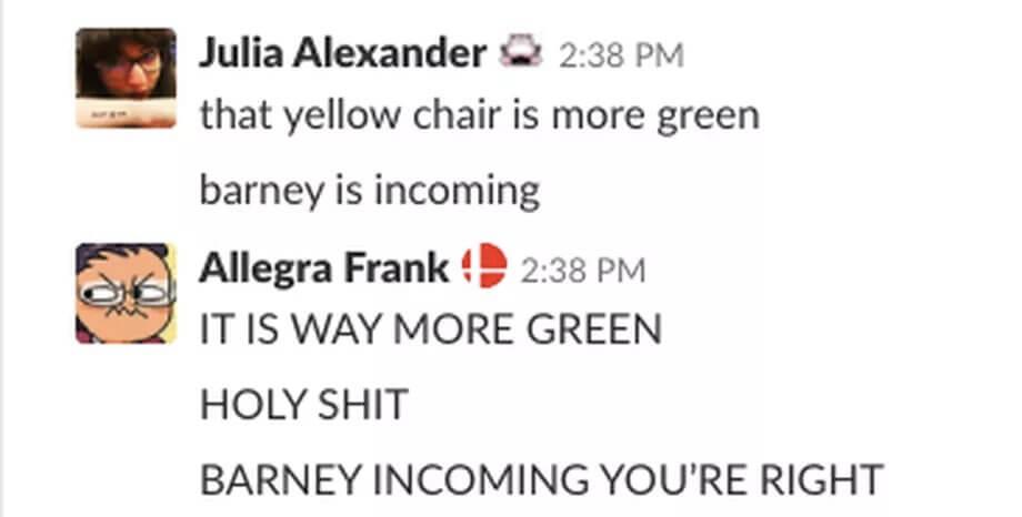 Kursi Ungu dan Kuning