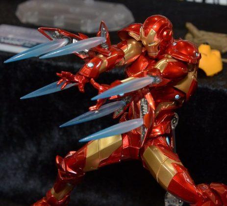 Mafex Miles Morales dan Revoltech Iron Man